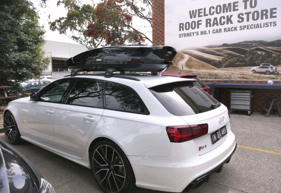 Audi RS6 with Thule Edge Bars and Thule Motion XT XL roofbox