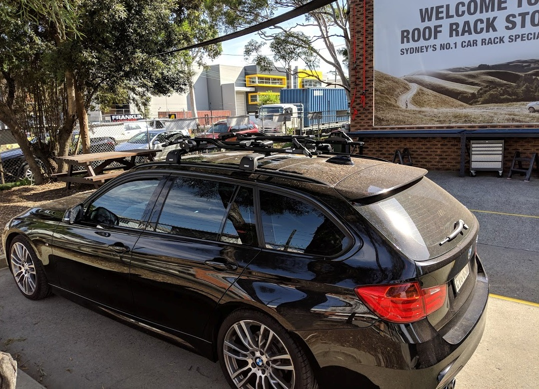 BMW 328 Wagon with Thule Edge Bars and 598 ProRides
