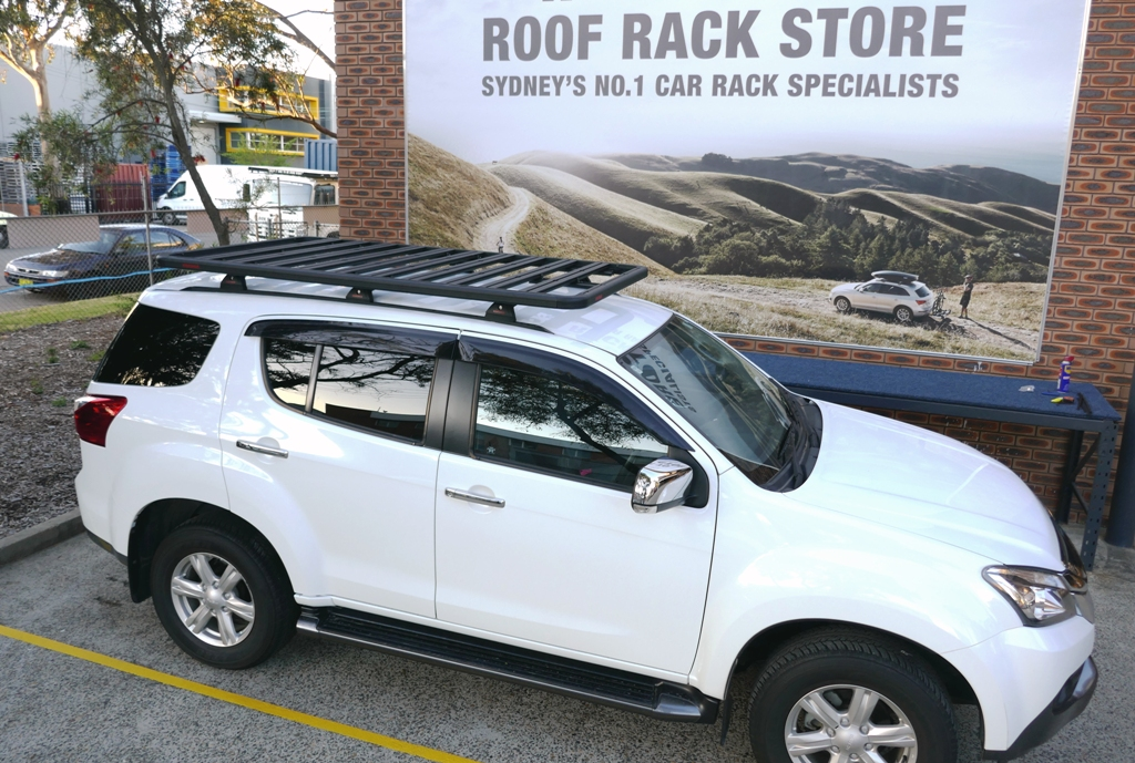 Isuzu MUX with Yakima Lock-n-Load Platform