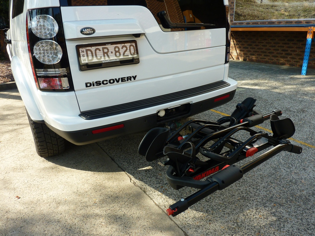 Land Rover Discovery with Yakima HoldUp