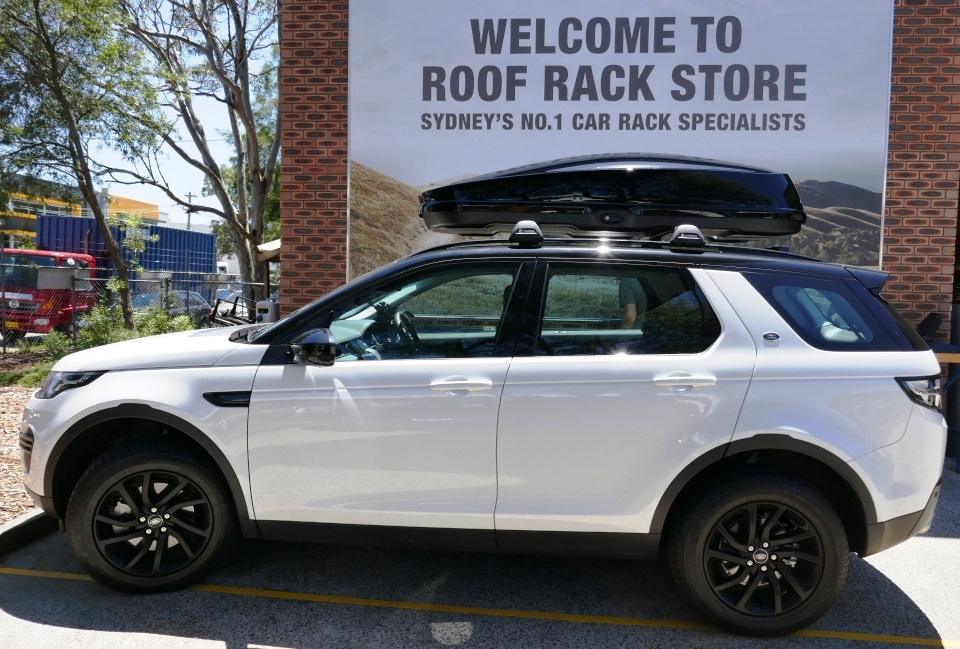 Land Rover with Whispbar WB751 roofbox
