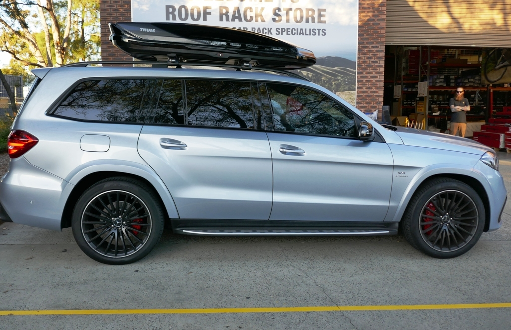 Mercedes GLS with Thule Excellence Roof Box