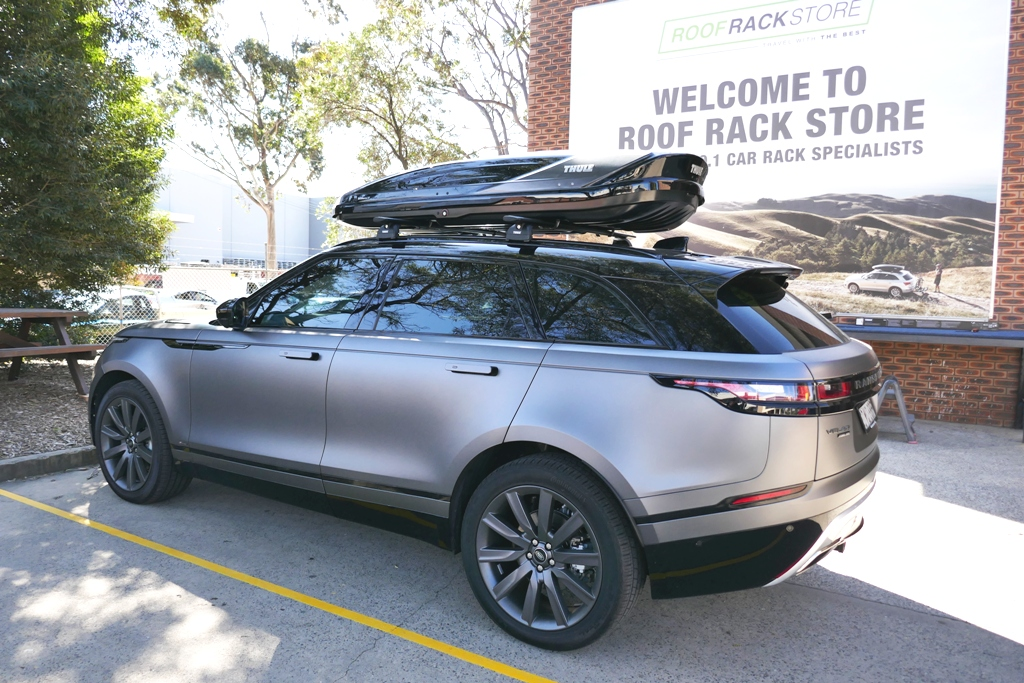 Range Rover Velar with Thule Wing Bars and Thule Excellence