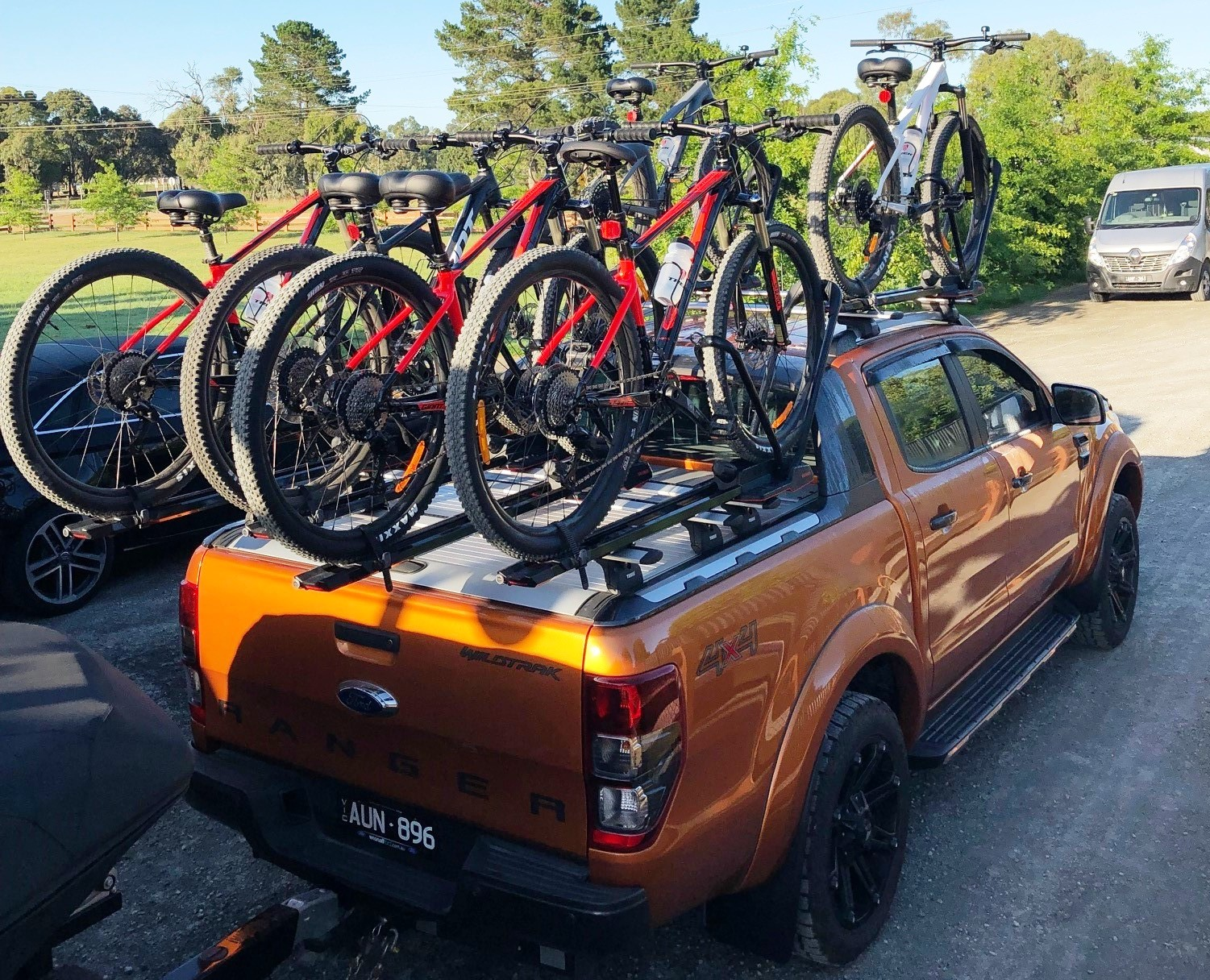 Ford Ranger WildTrak with Thule bars and Yakima HighRoads