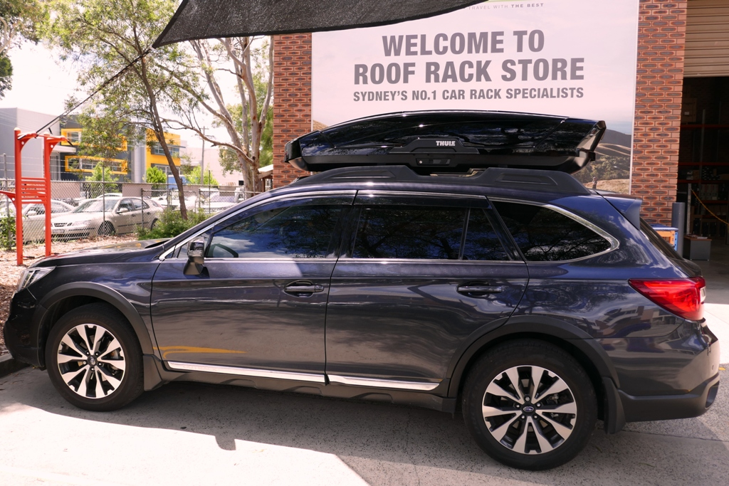 Subaru Outback with Thule Motion XT XL