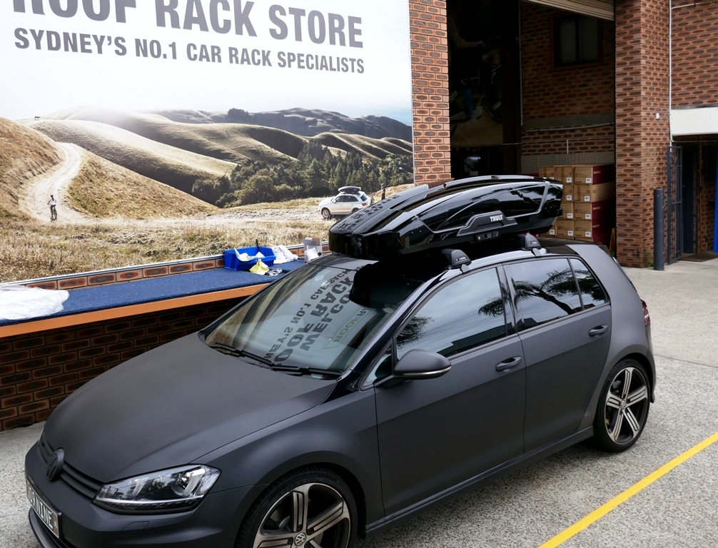 VW Golf GTi with Thule Motion Sport