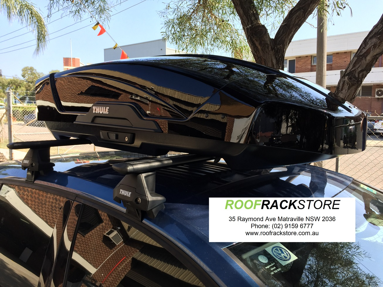 VW Golf Thule Evo Clamp Evo Bars Motion XT L Roofbox