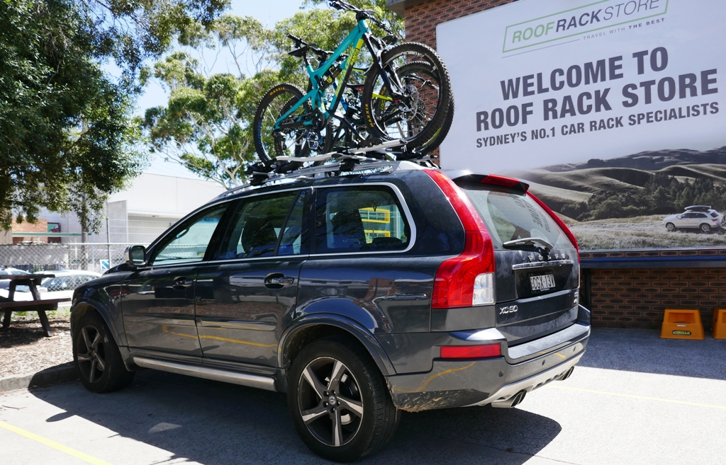 Volvo XC90 with Thule wingbars and 598 ProRides