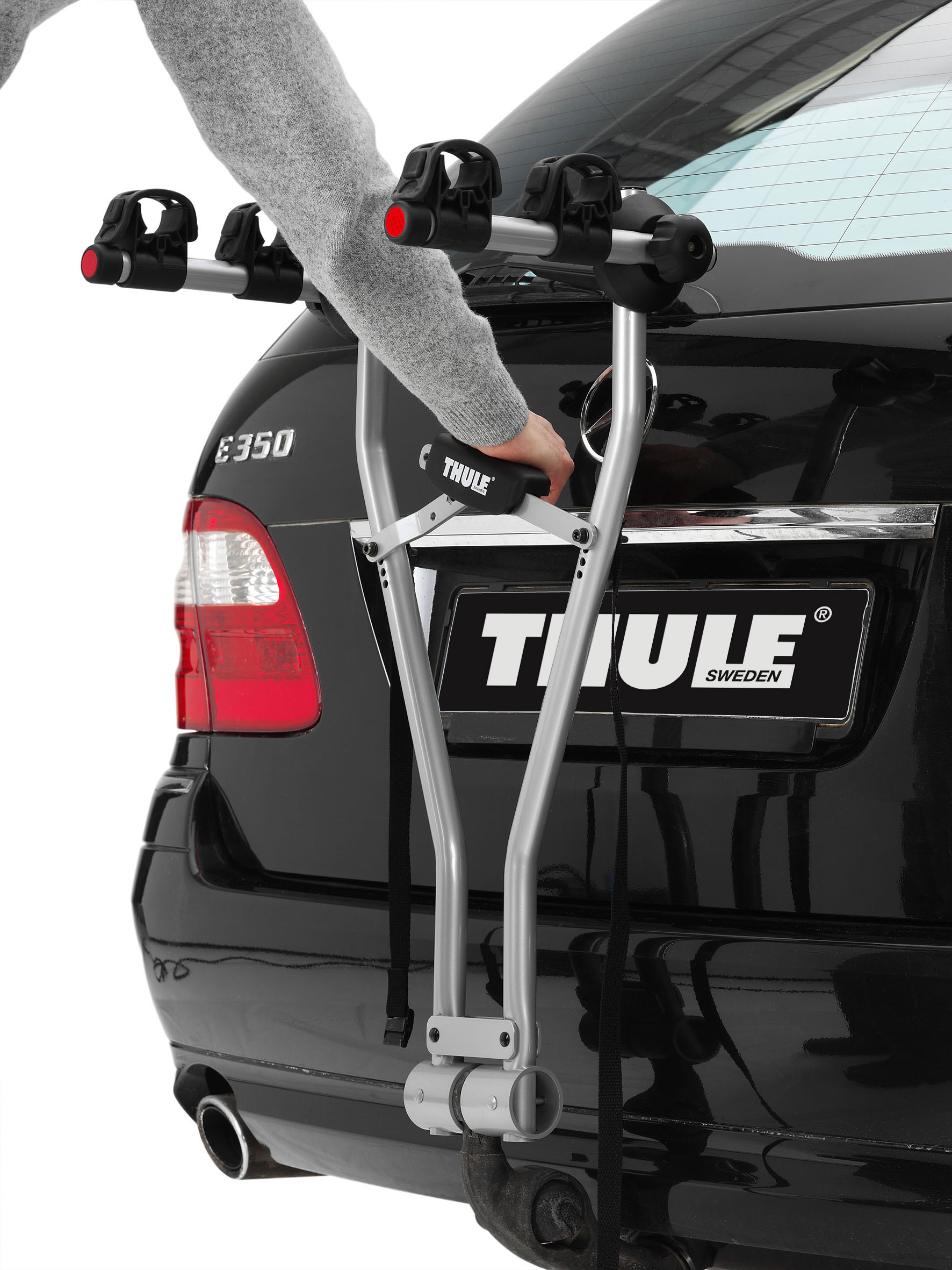 thule xpress 2 bike carrier 970 instore online free shipping. Black Bedroom Furniture Sets. Home Design Ideas
